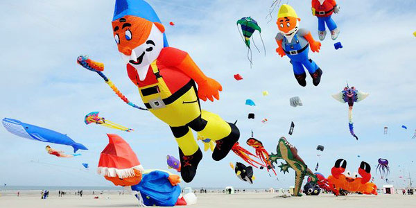 Facts about Culture and Traditions in China - Kite Flying